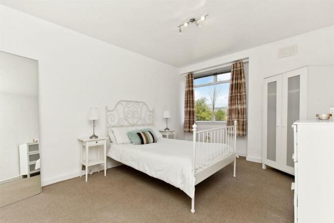 Bedroom1-01.jpg