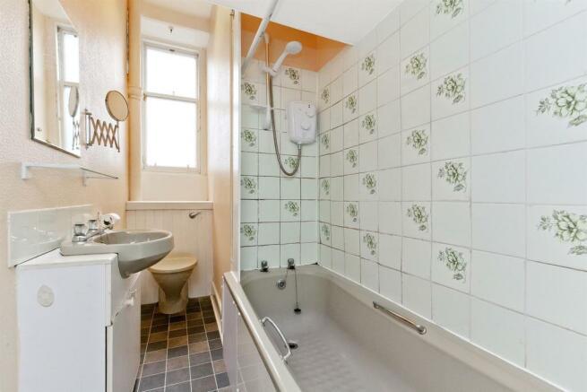 Image 9 bathroom.jpg