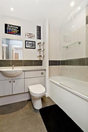 Image 10 bathroom .jpg