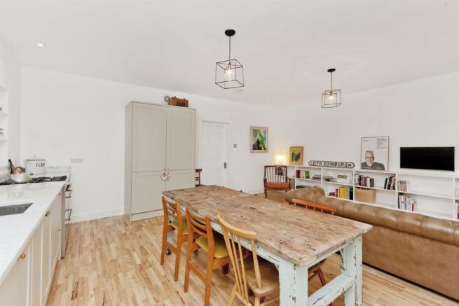 Image 5 living_kitchen_dining 4.jpg
