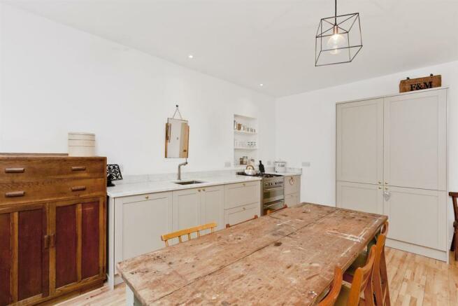Image 8 living_kitchen_dining 7.jpg