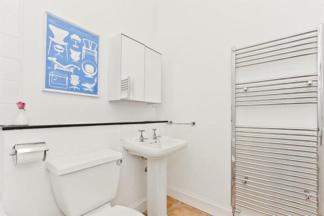Image 23 bathroom angle 2.jpg