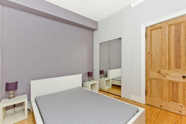 Bedroom-02.jpg