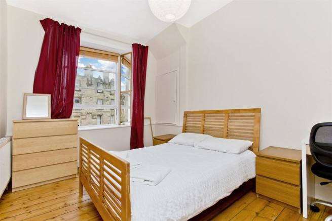 Bedroom1-02.jpg