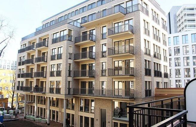 1 bedroom ground floor flat for sale in otto suhr allee 18. Black Bedroom Furniture Sets. Home Design Ideas