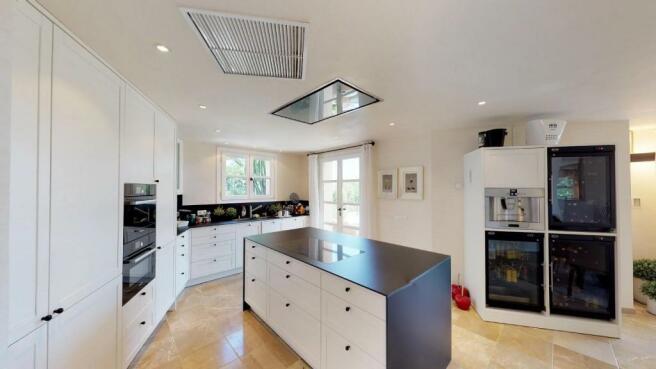 large kitchen with i