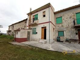 Photo of Roccascalegna, Chieti, Abruzzo