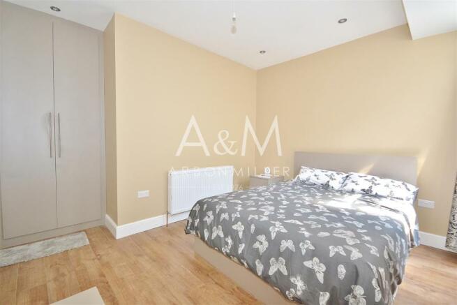 Room2a.jpgWM.jpg