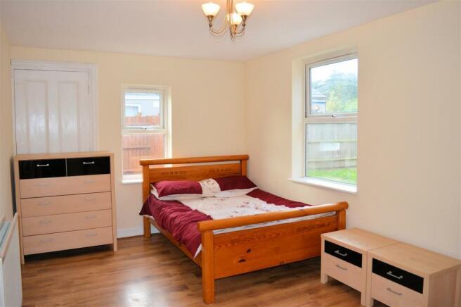 bedroom 5 - family room