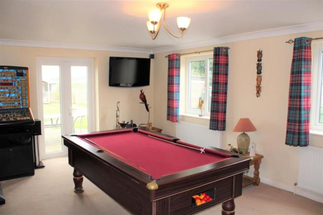 dining-games room