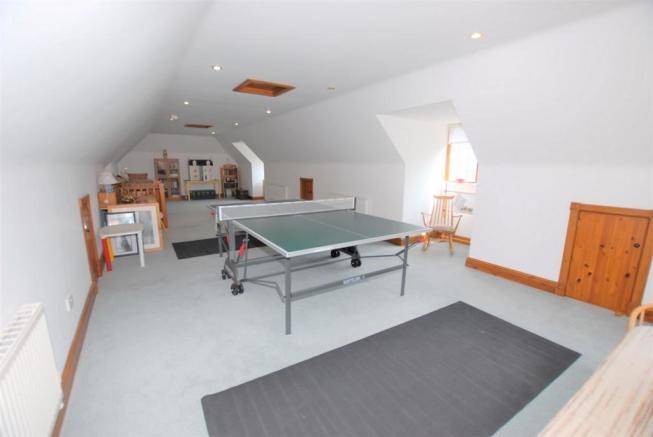 Bed/games room