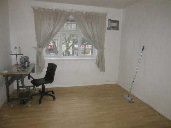 402 Nuthall Road - Storeroom