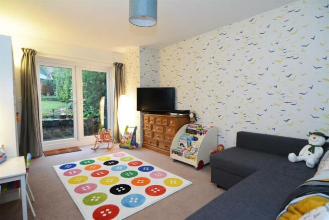 FAMILY ROOM / BEDROO