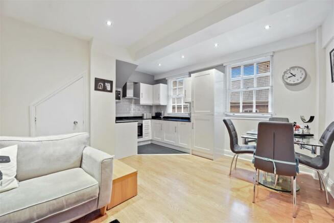 Kitchen - Lounge.jpg