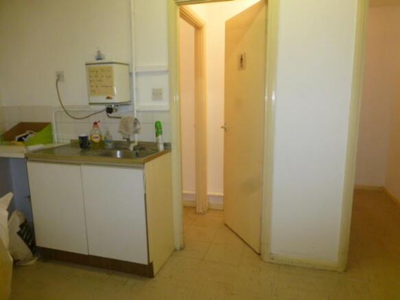 kitchenette/wc