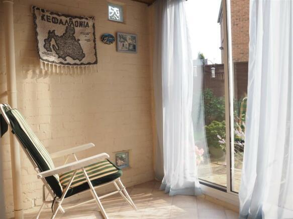 Garden Room 082