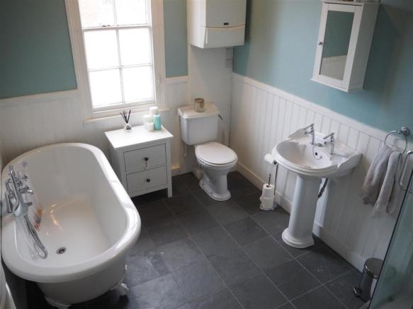 Four-Piece Bathroom 700