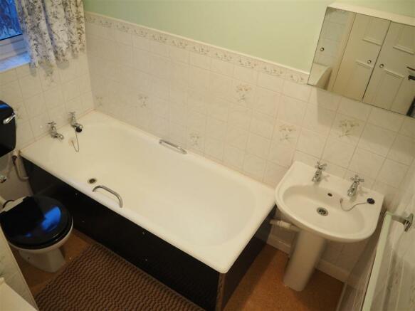 Bathroom 612