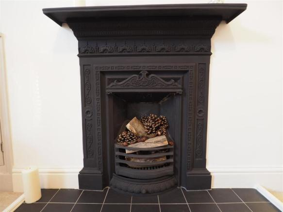 Characterful Fireplace 793