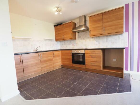 Modern Fitted Kitchen 137