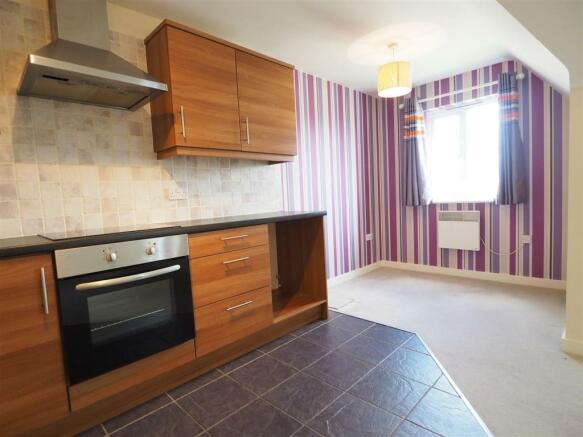 Modern Kitchen & Dining Area 138