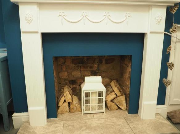 Feature Fireplace 882