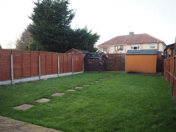Large Rear Garden 649