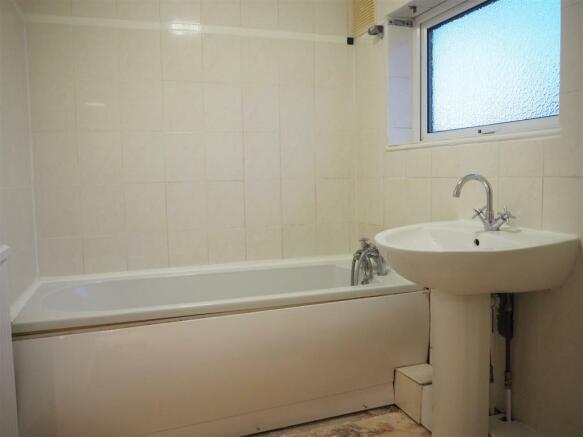 Bathroom 692