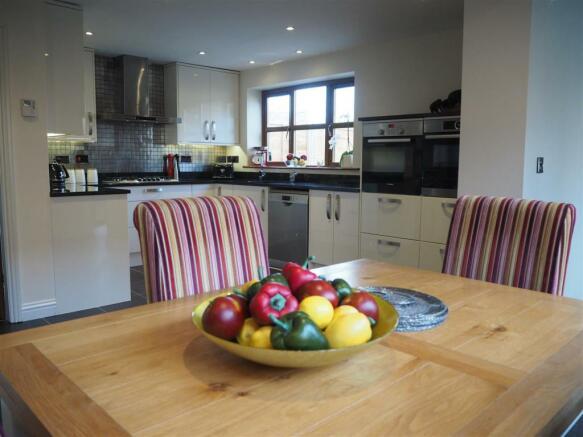 Open Plan Dining Kitchen 020