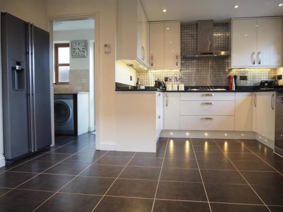 High Specification Kitchen & Utility Room 039