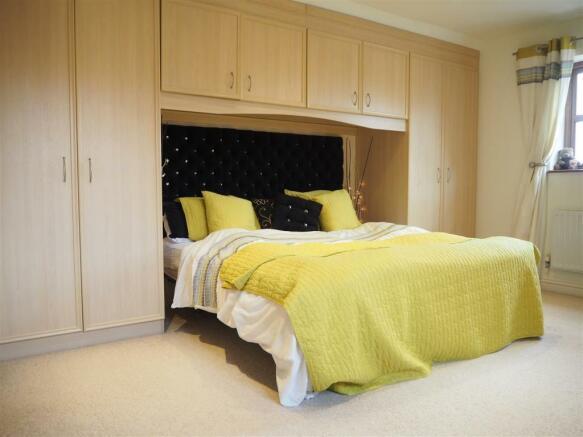Master Bedroom 930