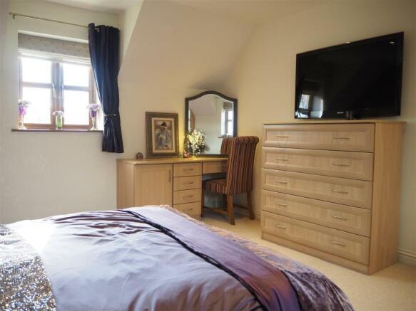 Second Bedroom 979
