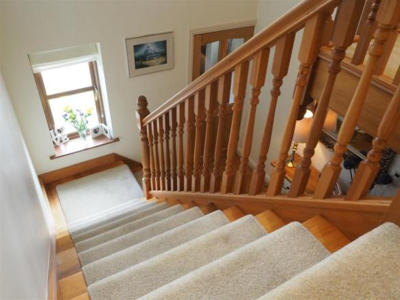 Attractive Staircase 050