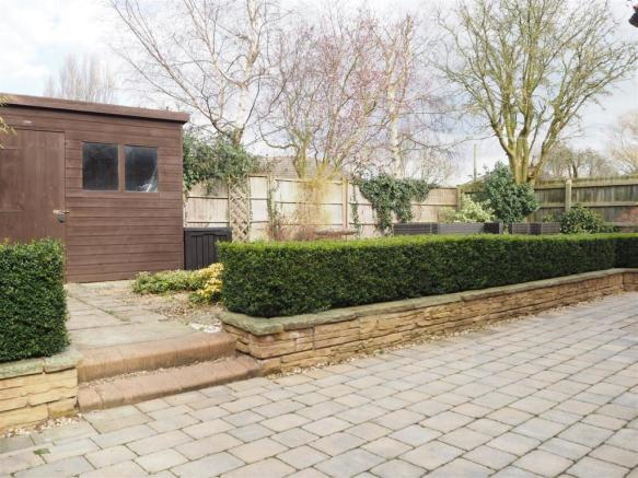 Low Maintenance Garden 791
