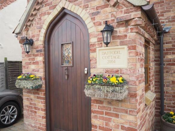 Entrance Porch 069