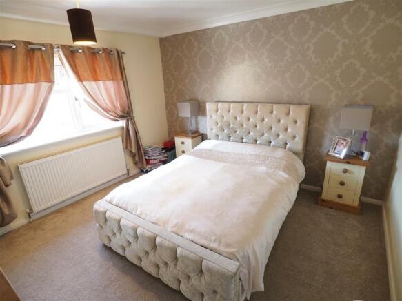 Master Bedroom 927
