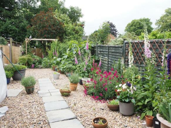Landscaped Rear Garden 948