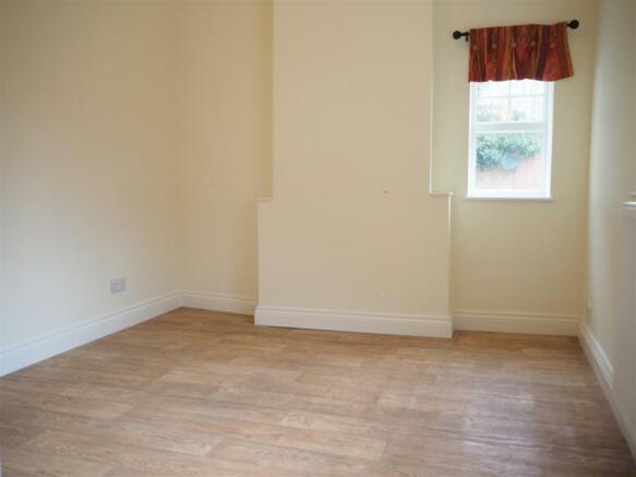 Bedroom 796