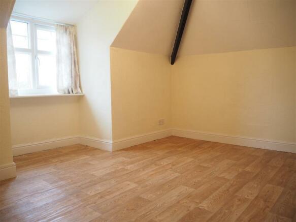 Bedroom 824