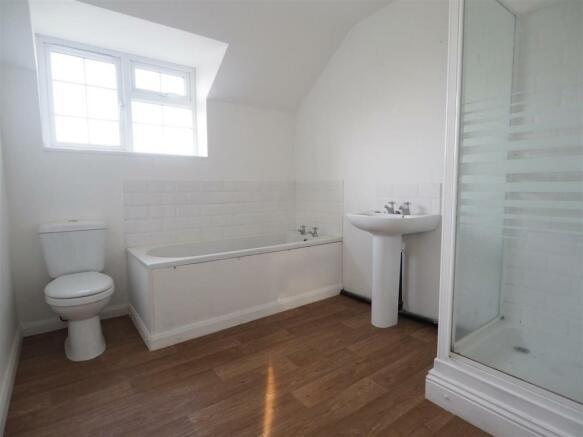 Three-Piece Bathroom 435