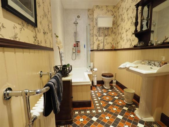 Re-Fitted Victorian Style Bathroom 267