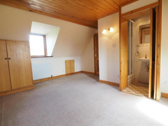 Master Bedroom Into En-Suite 772