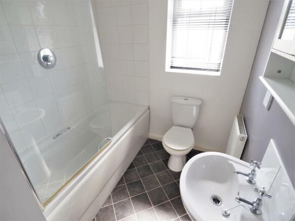 Family Bathroom 422