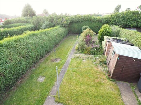 Generous & Private Rear Garden 779
