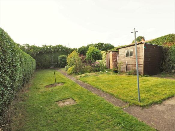 Large Enclosed Rear Garden 763
