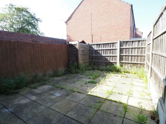 Enclosed Courtyard Garden 360