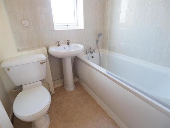 First Floor Bathroom 342
