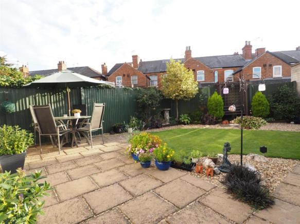 Well Maintained Rear Garden 075