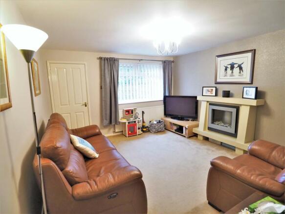 Large Living Room 776