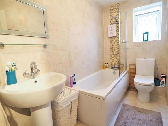 Modern First Floor Bathroom 818
